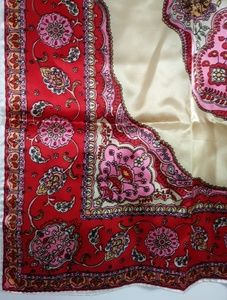 Bundle💋 Vintage 60s silky hand rolled red scarf